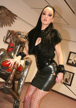 fetish liza galleries 17